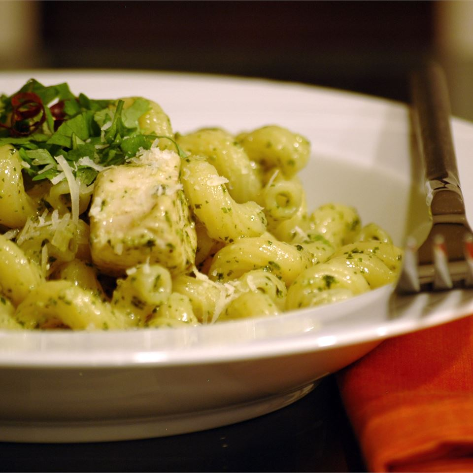 Teena's Spicy Pesto Chicken and Pasta LAGIRL