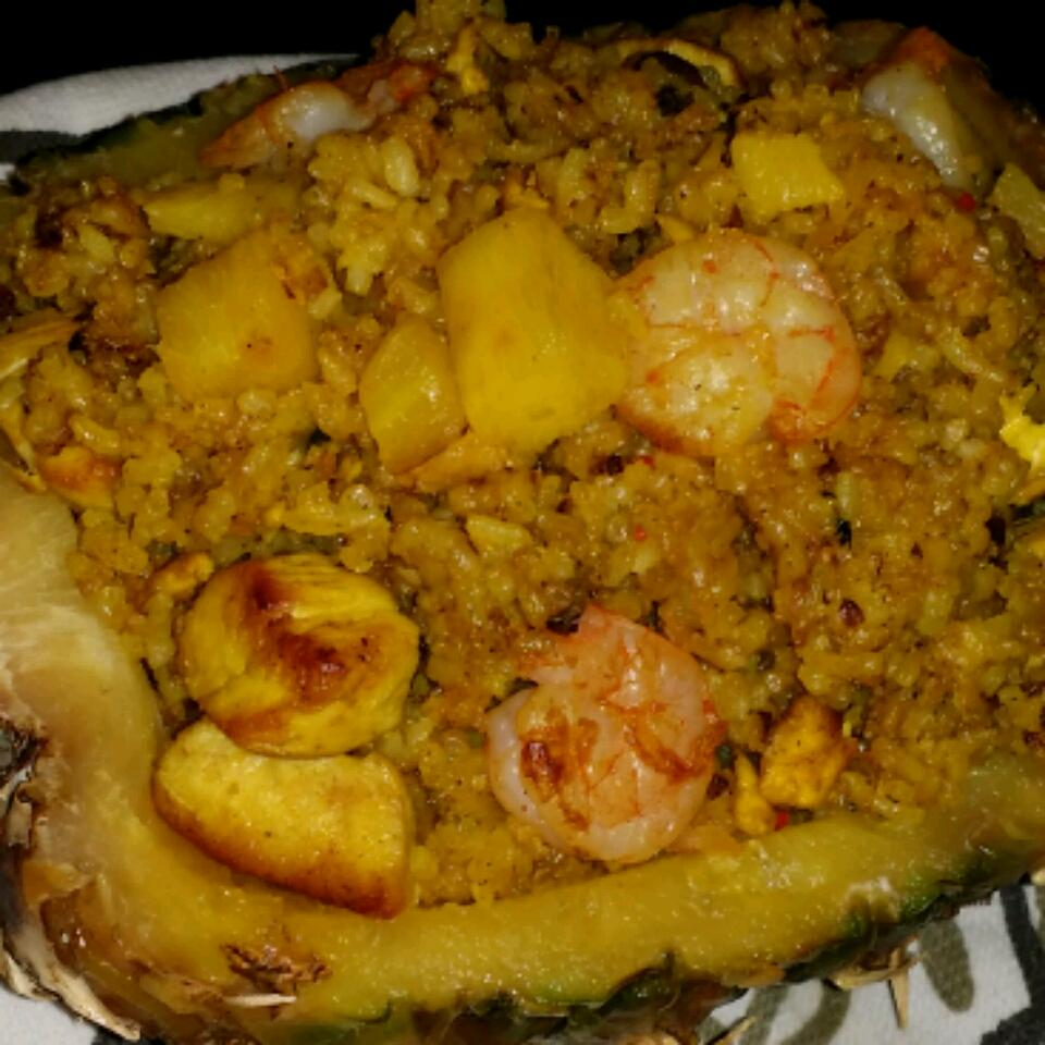 Thai Fried Rice with Pineapple and Chicken Jenny604