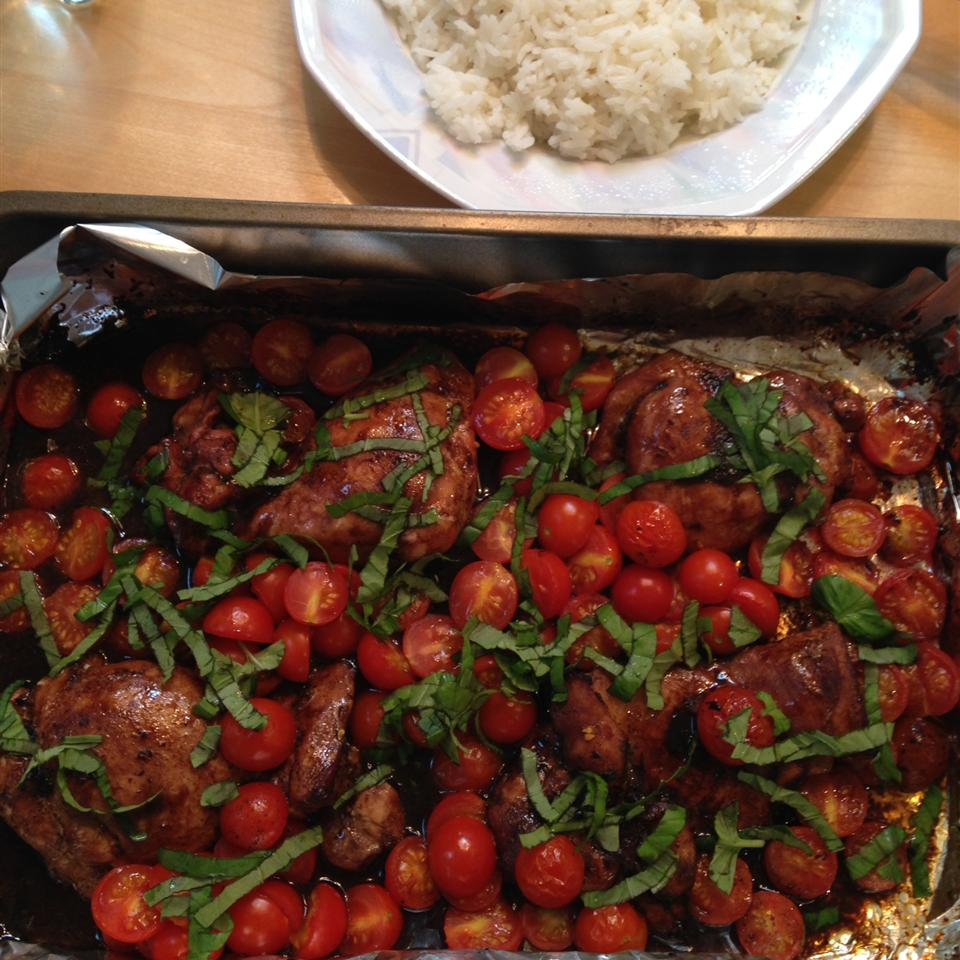 Roasted Balsamic Chicken with Baby Tomatoes OwlsTheDragon