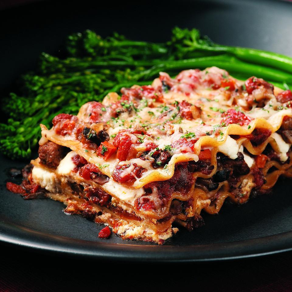 Here's an old-fashioned meat-and-cheese lasagna made lighter. Whole-wheat lasagna noodles taste great in this recipe, plus they help boost the fiber to 9 grams, which is more than a third of the recommended daily intake and especially good news for a healthy heart.