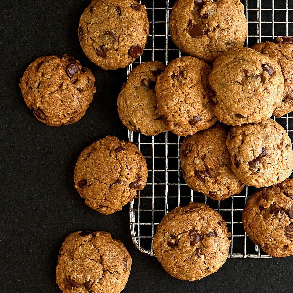 Bev's Chocolate Chip Cookies EatingWell Test Kitchen
