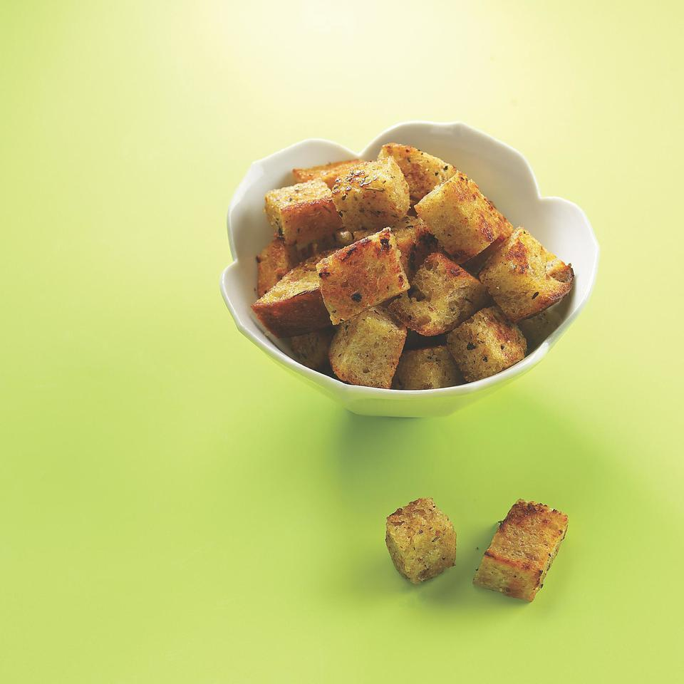 Whole-Wheat Skillet Croutons EatingWell Test Kitchen