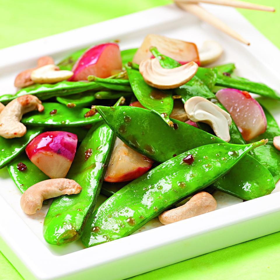 Cashew-Snow Pea Stir-Fry EatingWell Test Kitchen