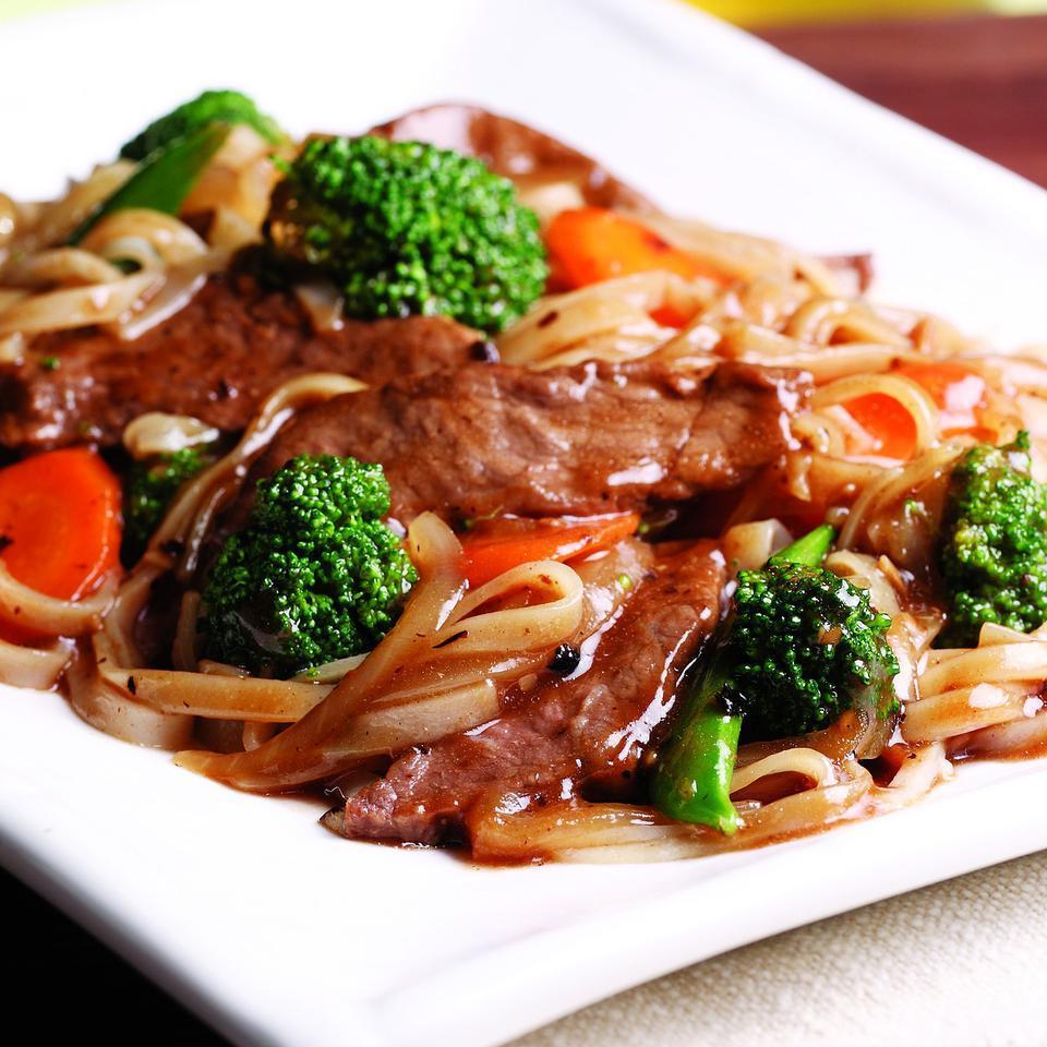 beef chow fun recipe  eatingwell