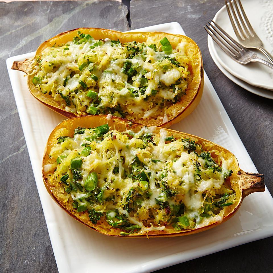 In this low-carb spaghetti squash lasagna recipe, garlicky broccolini, spaghetti squash and cheese are combined for a healthy take on a favorite casserole. This bakes right in the squash shells for a fun presentation. Serve with a big Caesar salad and some warm and crusty whole-grain bread.