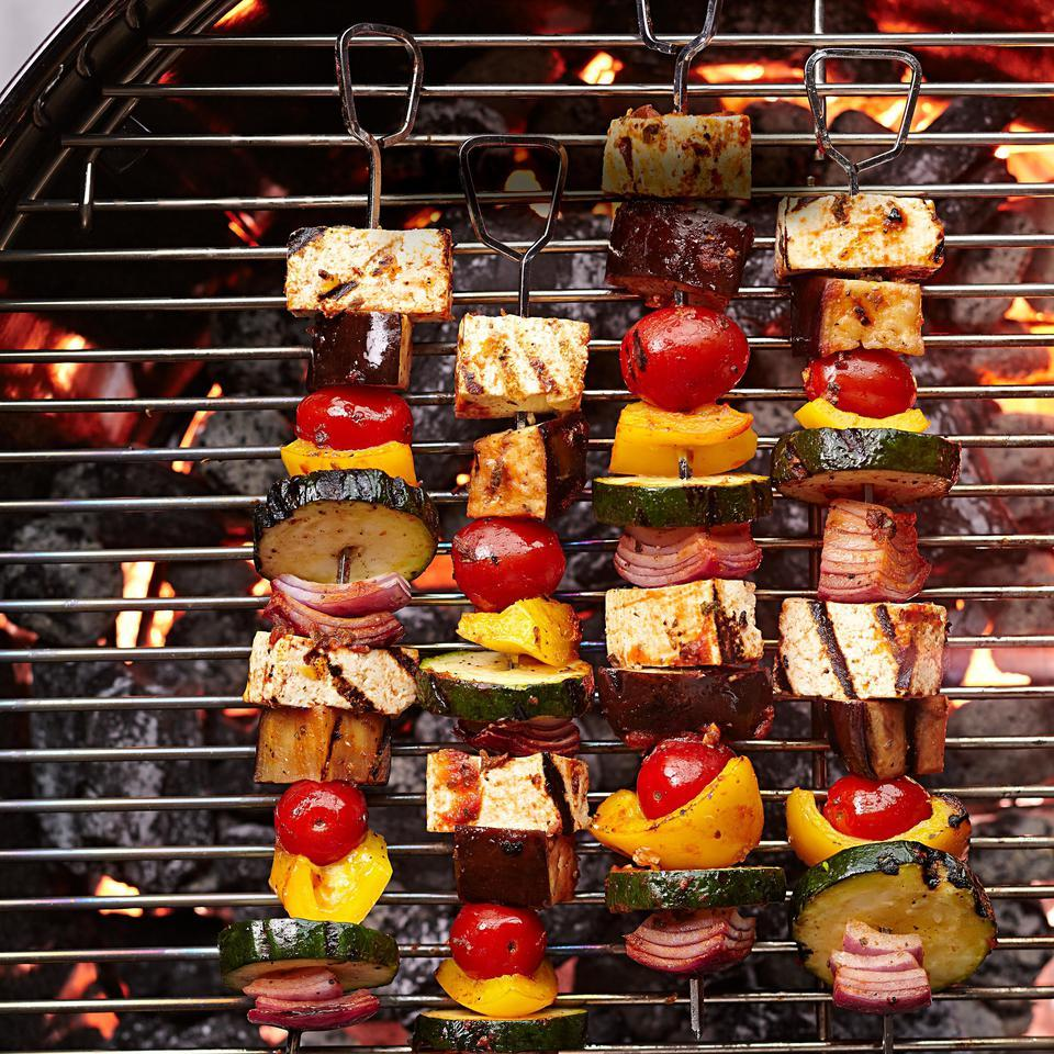 Lemon-oregano marinade amps up tofu in this ratatouille-inspired vegetarian kebab recipe. Serve with whole-wheat orzo tossed with olive oil and herbs, or in a wrap with yogurt sauce.