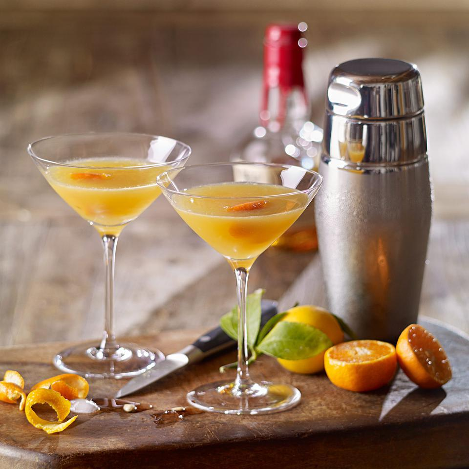 A fresh twist on a classic cocktail, this quick drink recipe uses sweet tangerine juice to balance the tang of bourbon.