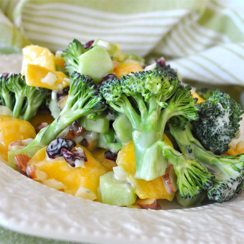 Broccoli Mango Salad CC<3's2bake