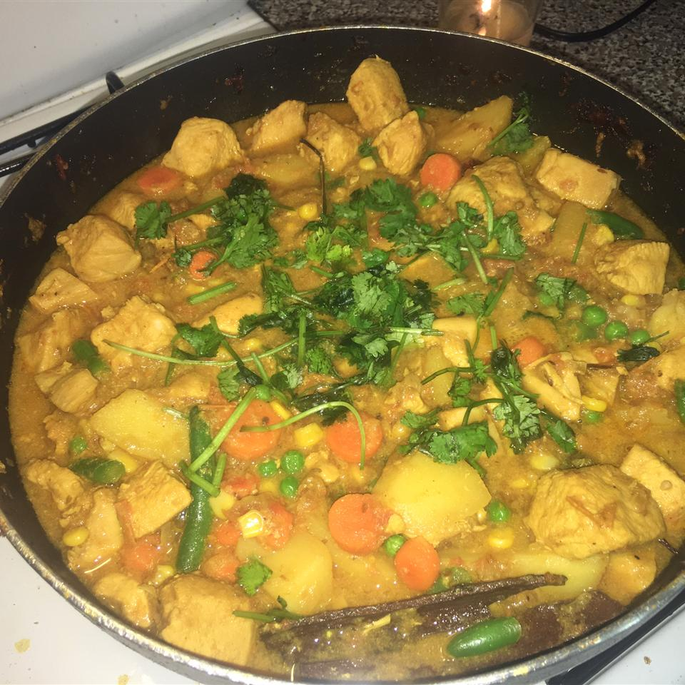 Bengali Chicken Curry with Potatoes Mo Azim