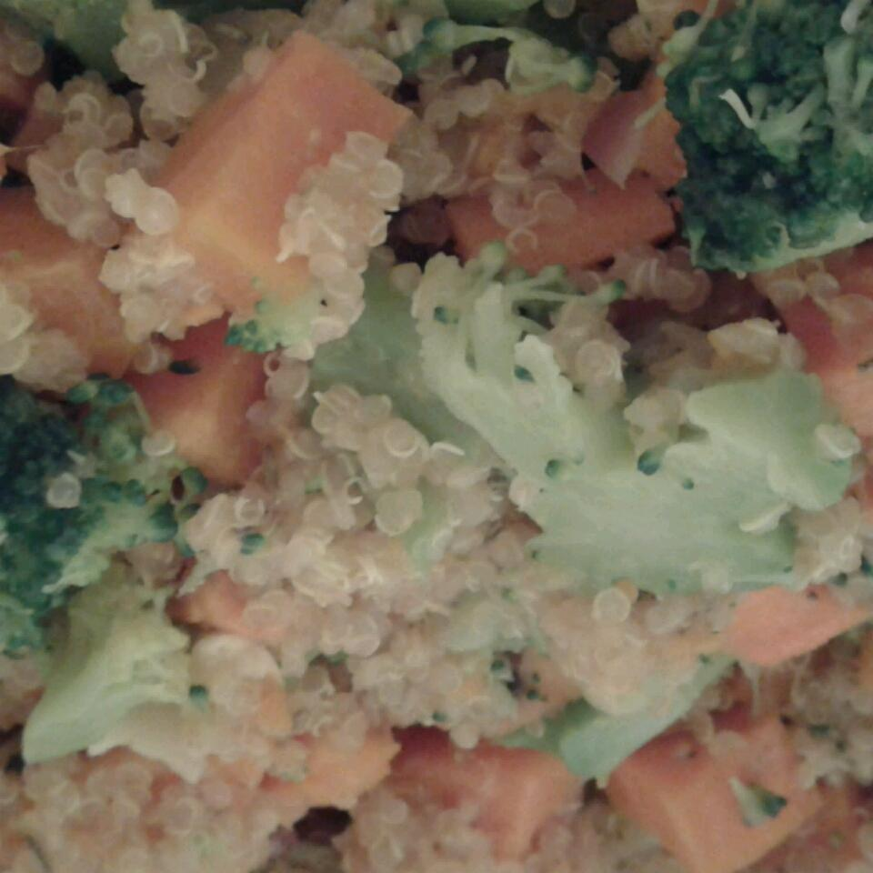 Quinoa with Sweet Potatoes and Broccoli Vasile Carmen