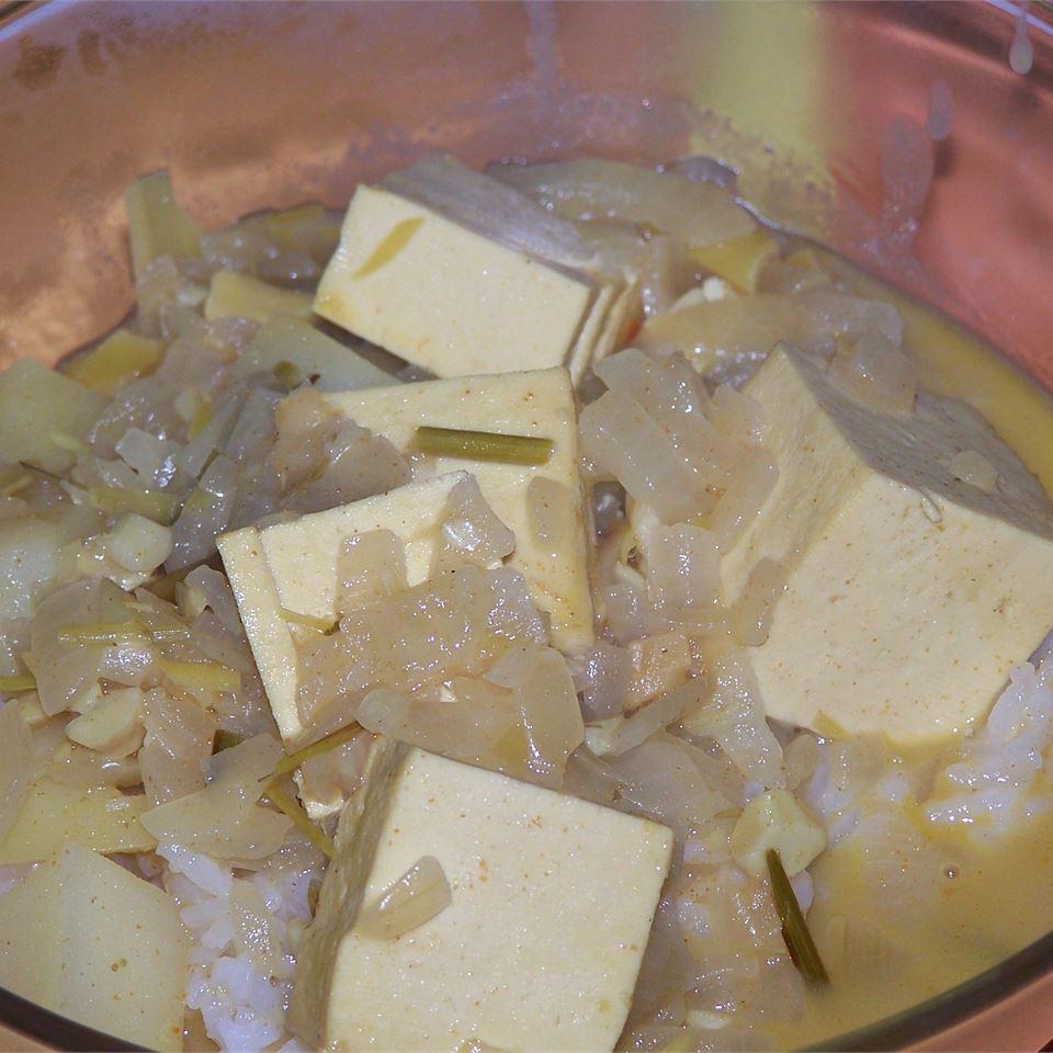 Mild Coconut Tofu Curry