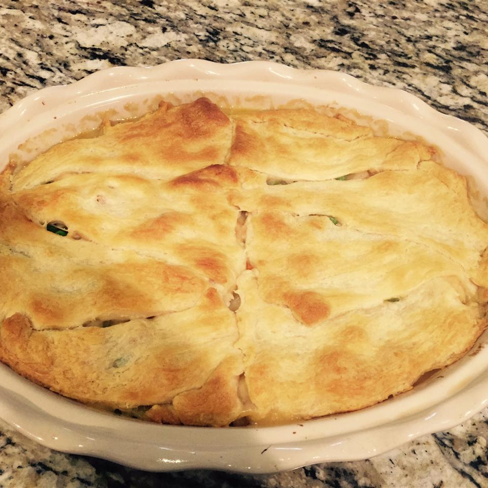 Amazingly Easy, Surprisingly Tasty Broke College Student Chicken Pot Pie mgtodd1@emersafe.net