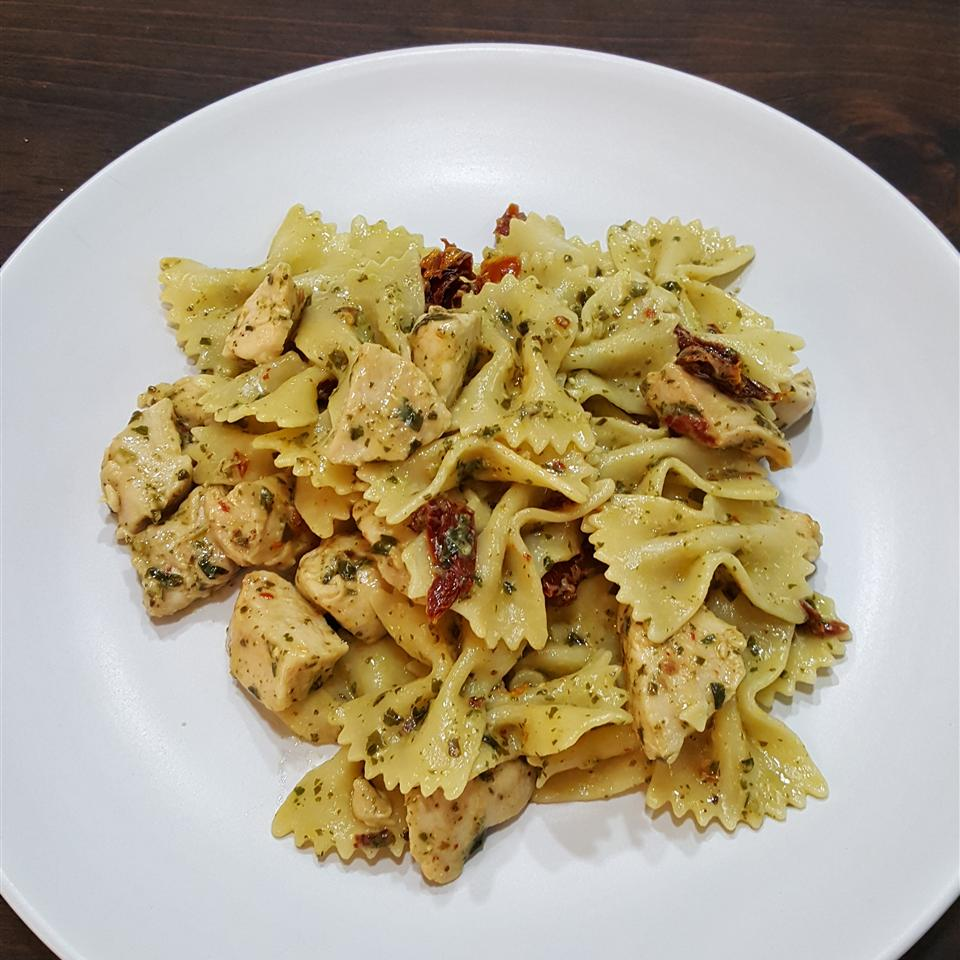 Pesto Pasta with Chicken TheTileGuy