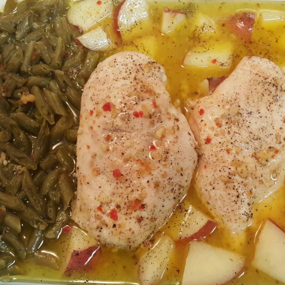 One-Pan Chicken Dinner TSha89086