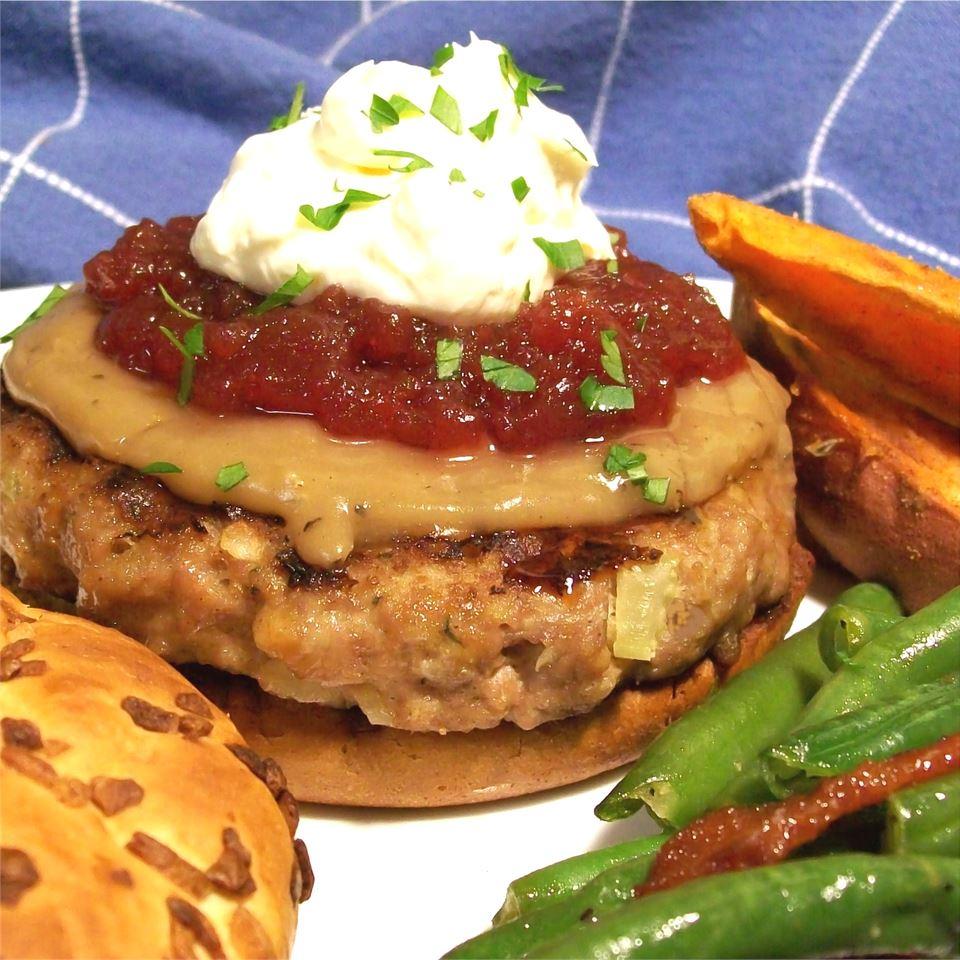 Thanksgiving Flavored Turkey Burgers Hez