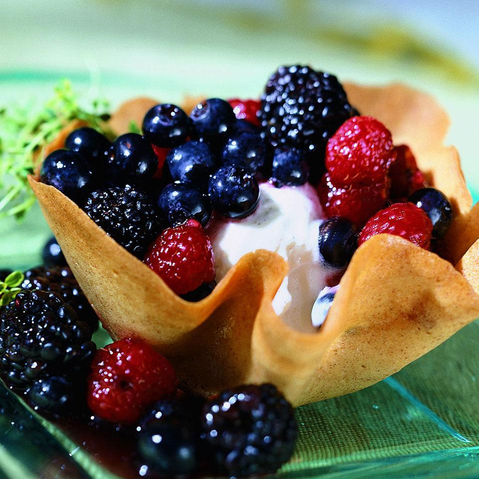 Cookie Cups with Lemon Thyme-Scented Berry Compote Patsy Jamieson