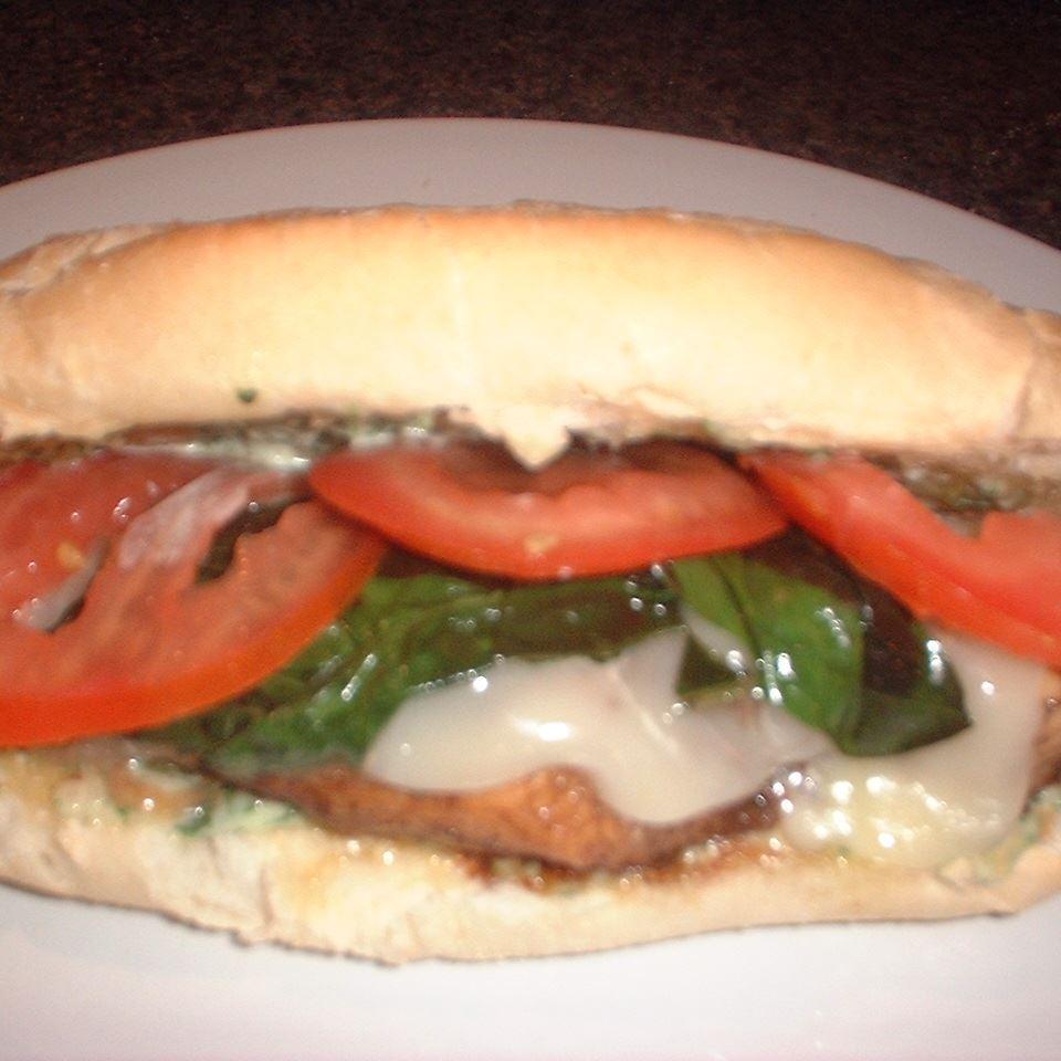 Balsamic Chicken and Fresh Mozzarella Suemck