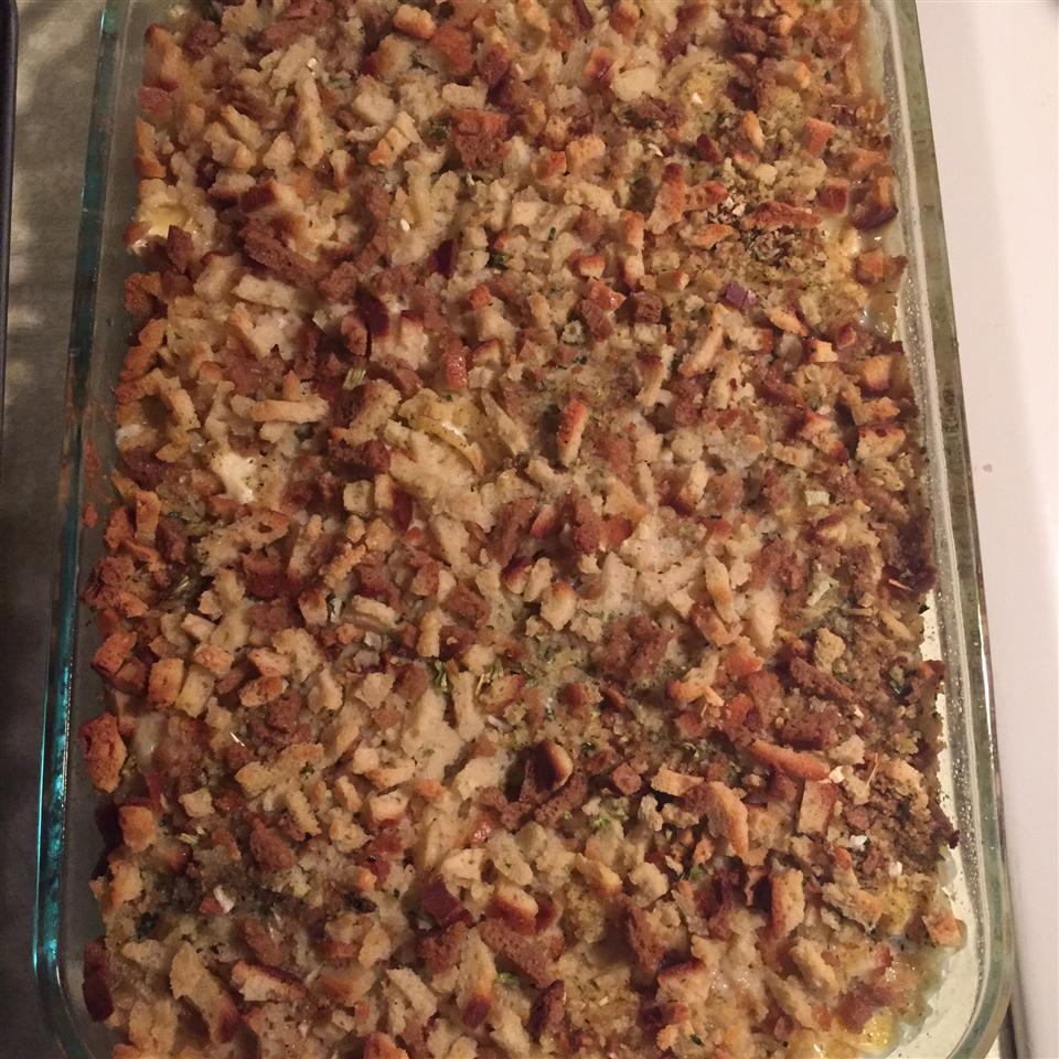Quick and Easy Chicken and Stuffing Casserole Tan~Swan