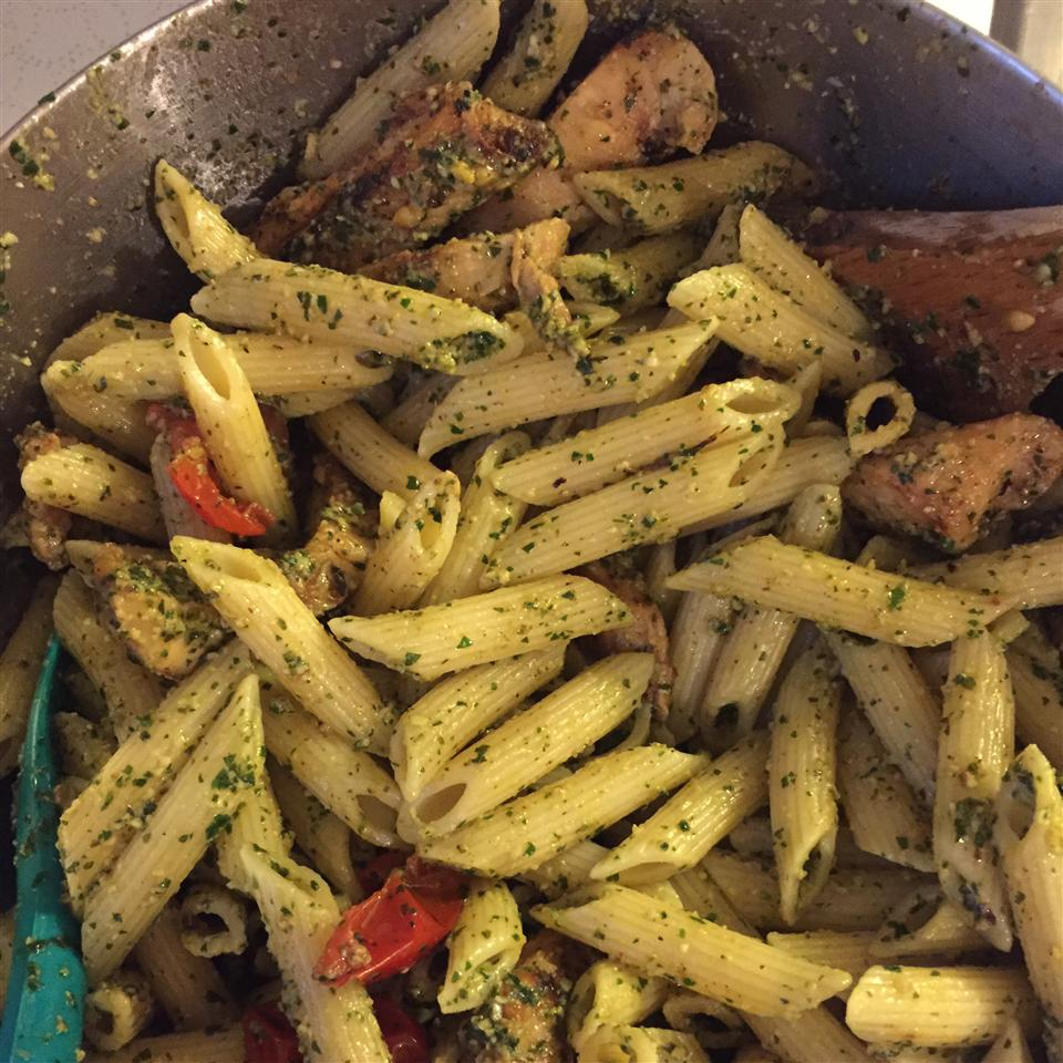 Pesto Pasta with Chicken AmyTcheck