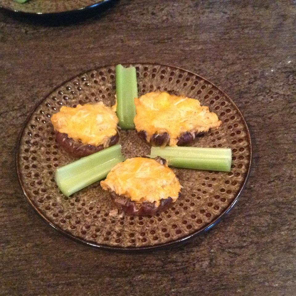 Buffalo Chicken Stuffed Mushrooms (Low-Carb) Chris Pennell