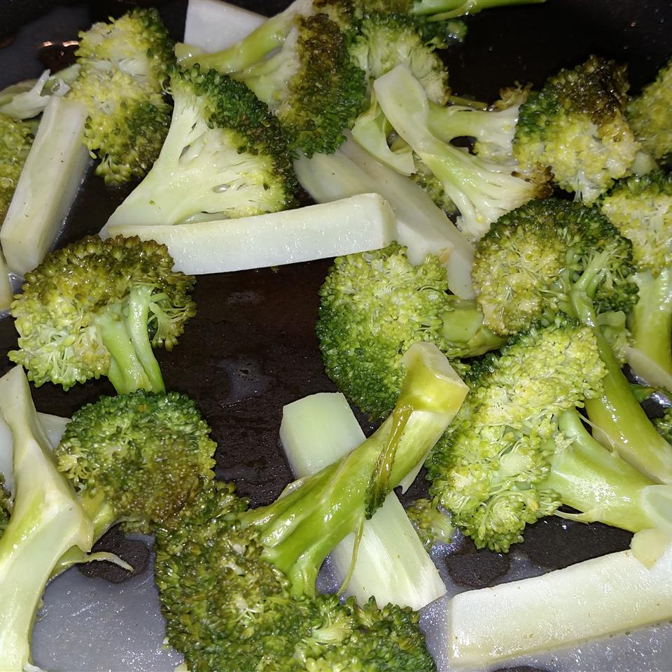 Broccoli with Lemon Butter Sauce Stephanie Mullins