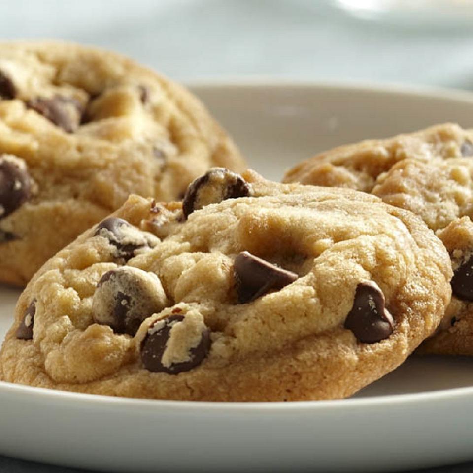 Vanilla Rich Chocolate Chip Cookies image