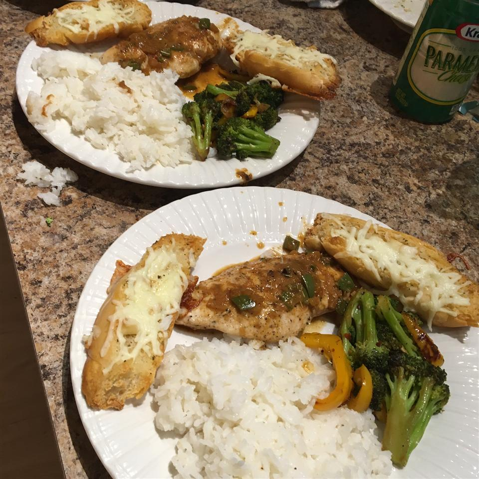 Chicken Breasts with Chipotle Green Onion Gravy otto