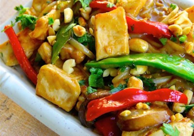 Thai Peanut Chicken Lo Mein