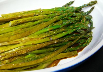 Baked Asparagus with Balsamic Butter Sauce