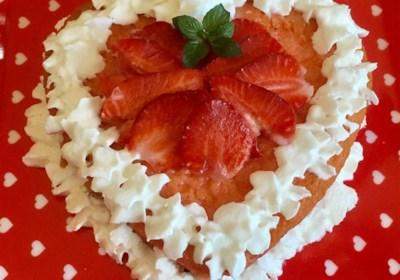 White Chocolate Chip Strawberry Cake