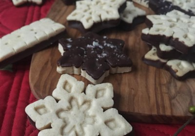 Cassava Flour Holiday Shortbread Cookies