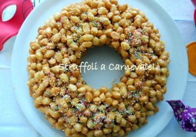 Struffoli o Cicerchiata (Italian Honey Dough Balls)