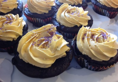 Vegan Chocolate Cupcakes with Vanilla Frosting