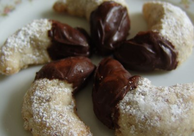 Viennese Crescent Holiday Cookies