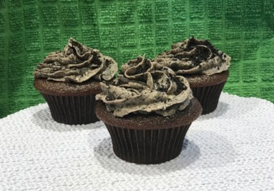 Chocolate Cupcakes with Cream Cheese-Oreo®-Buttercream Frosting