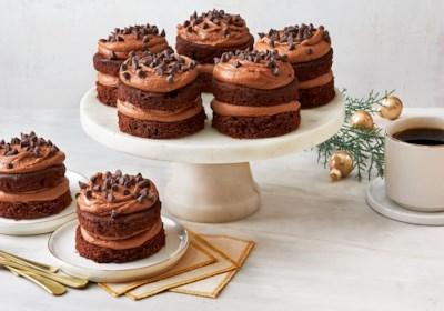 Ghirardelli Mini Bittersweet Chocolate Cakes