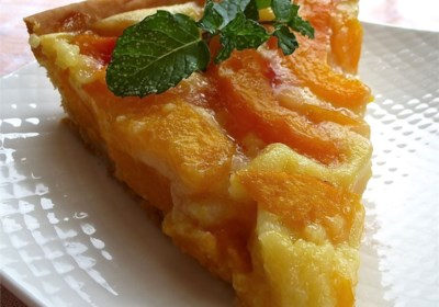 Peach Pie with Sour Cream
