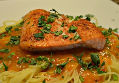 Roasted Red Pepper Salmon Pasta