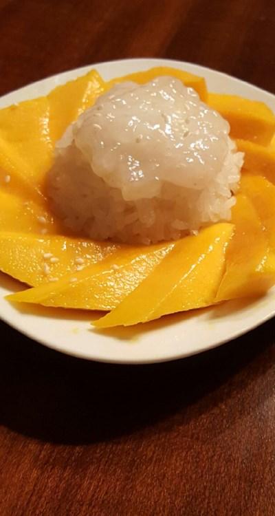 Thai Sweet Sticky Rice With Mango (Khao Neeo Mamuang)