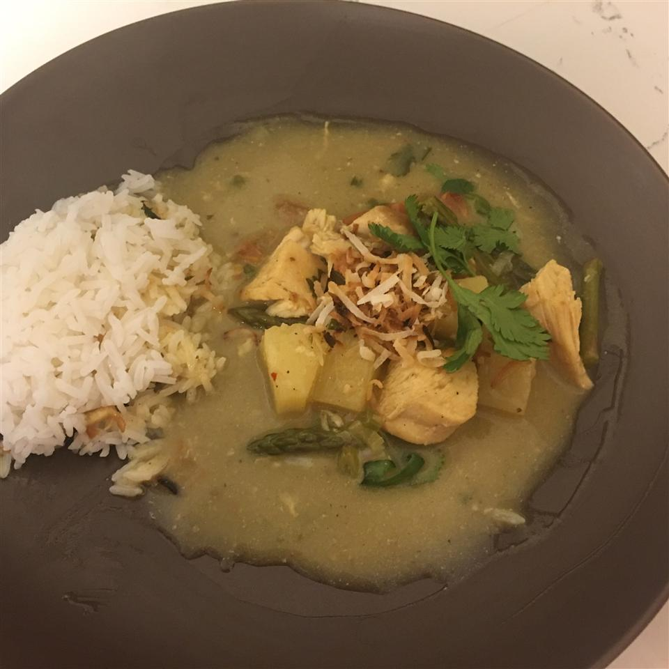 Thai Chicken Curry with Pineapple Liz Sandez