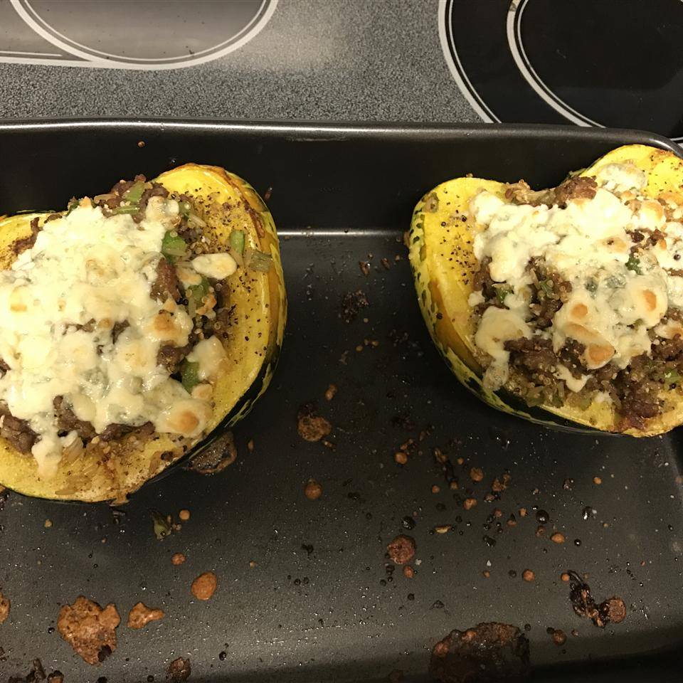 Autumn Stuffed Acorn Squash eboesel