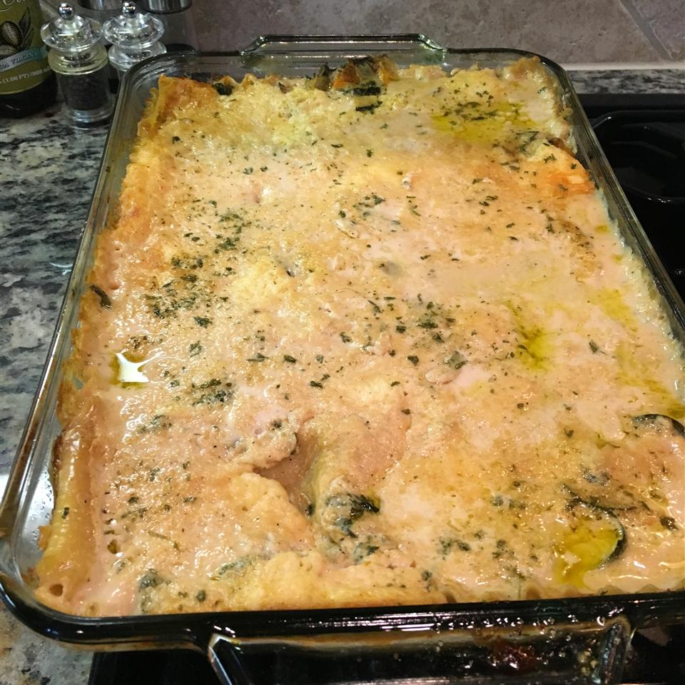 Easy Spinach Lasagna with White Sauce