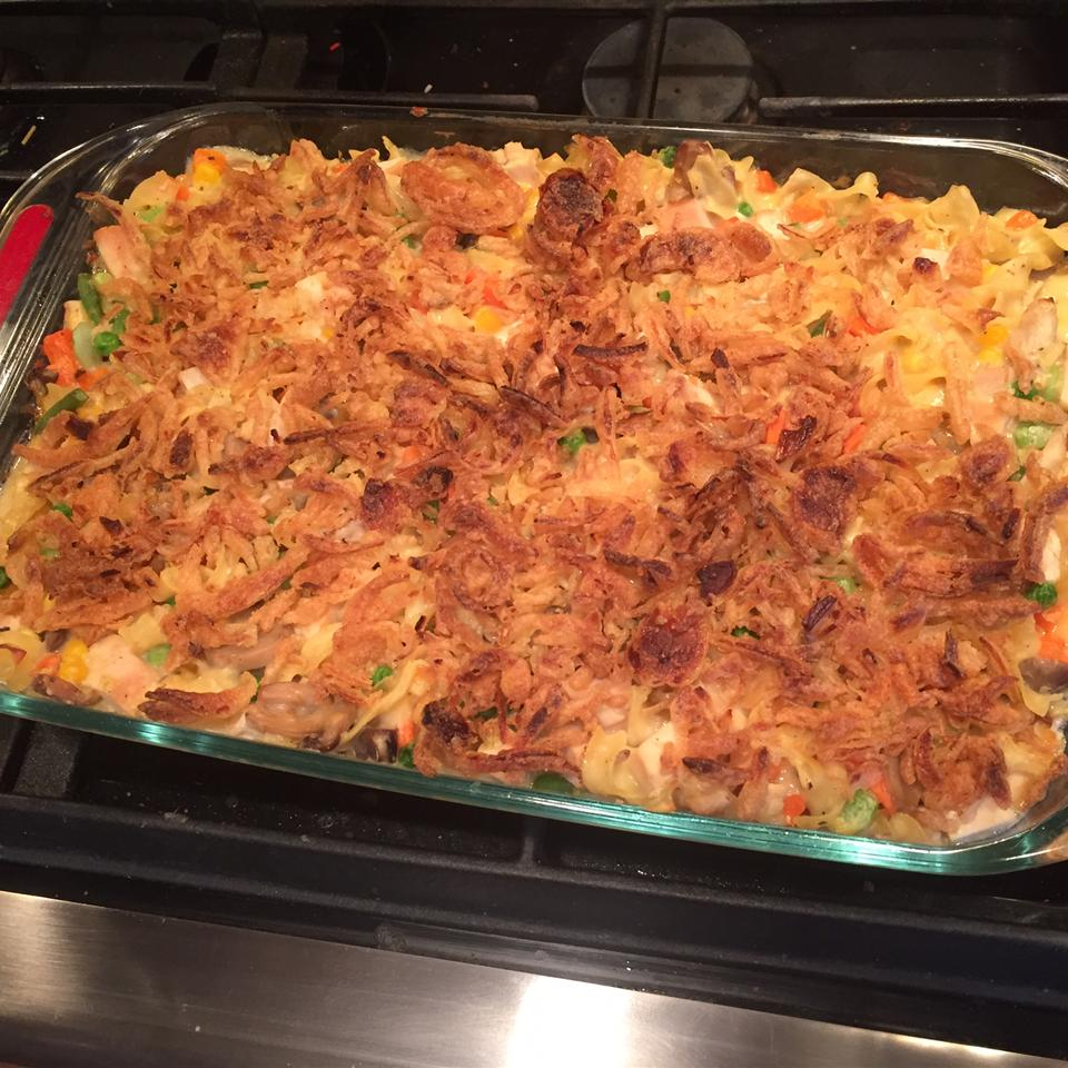 Hearty Chicken and Noodle Casserole edelorfano