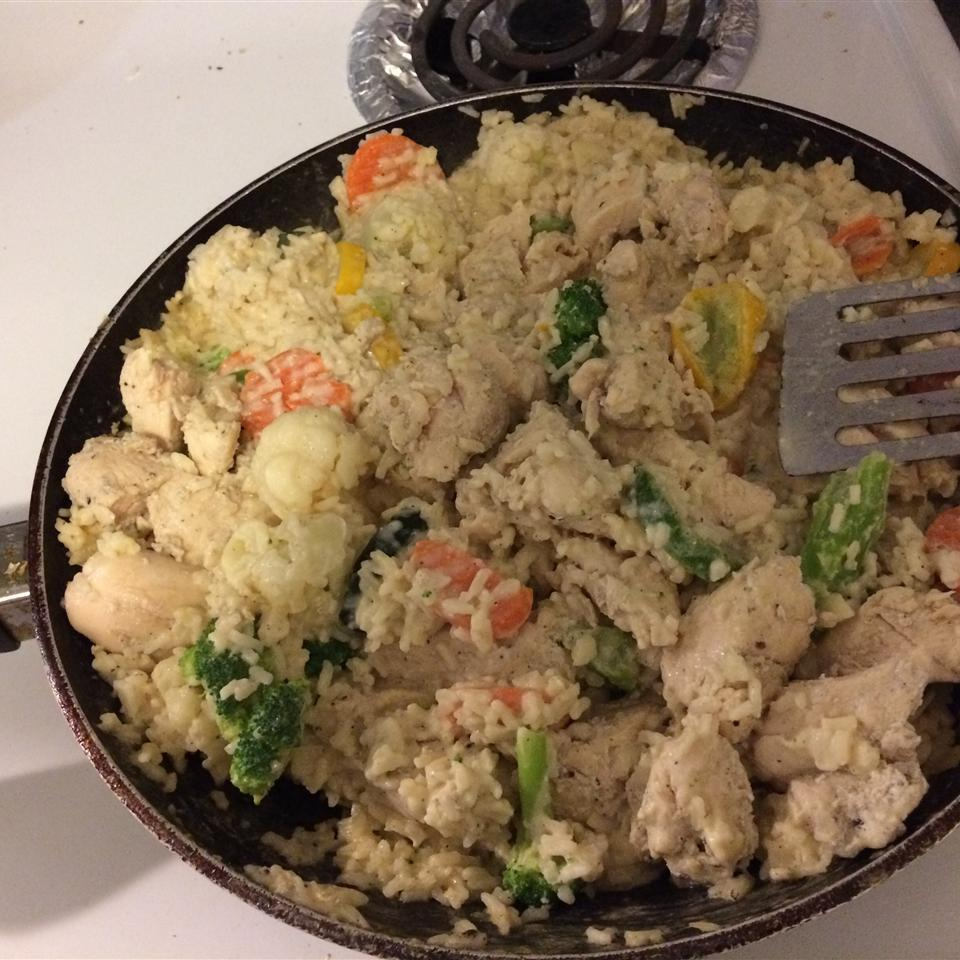 Garlic Chicken, Vegetable and Rice Skillet Crissy Namine Rose
