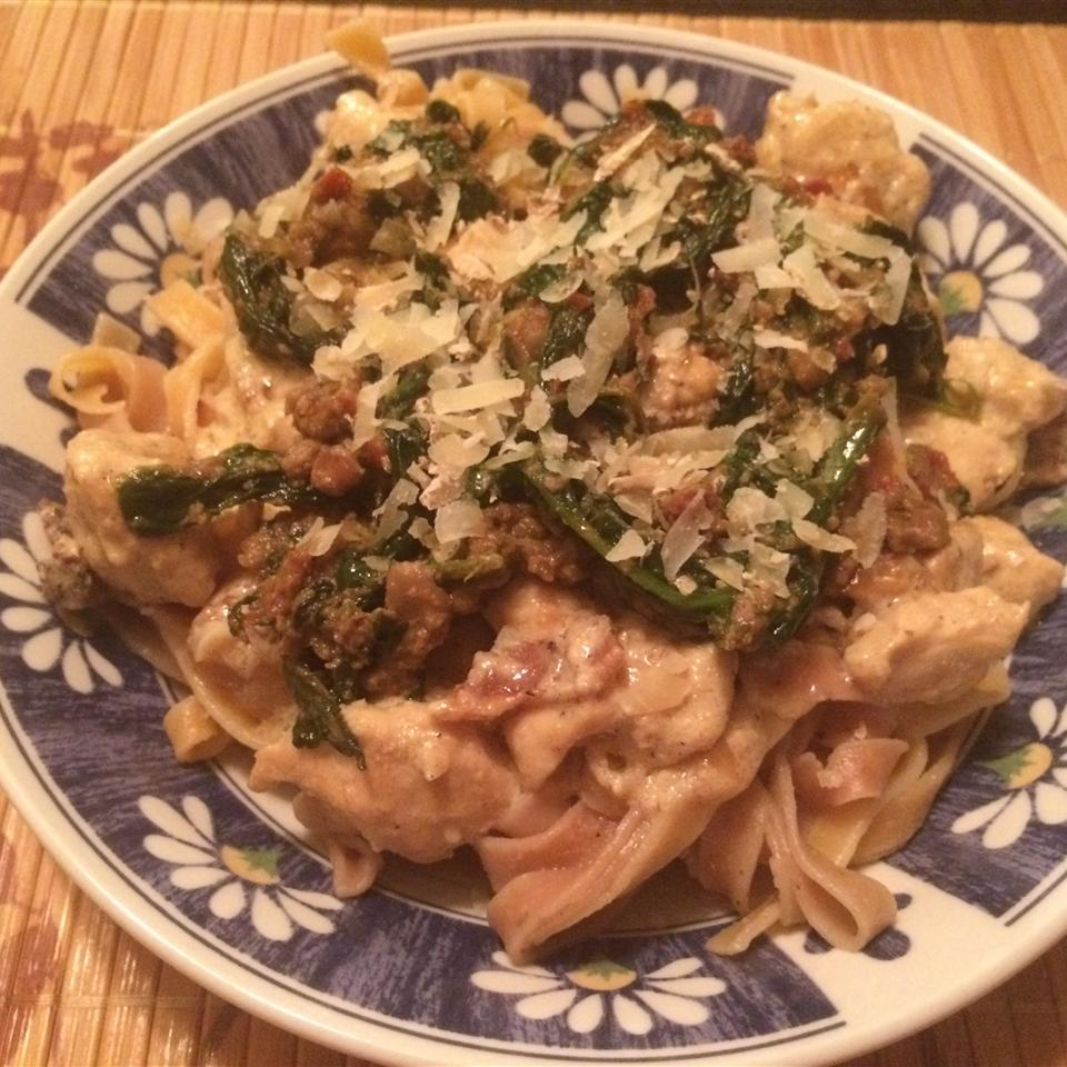 Mascarpone Pasta with Chicken, Bacon and Spinach