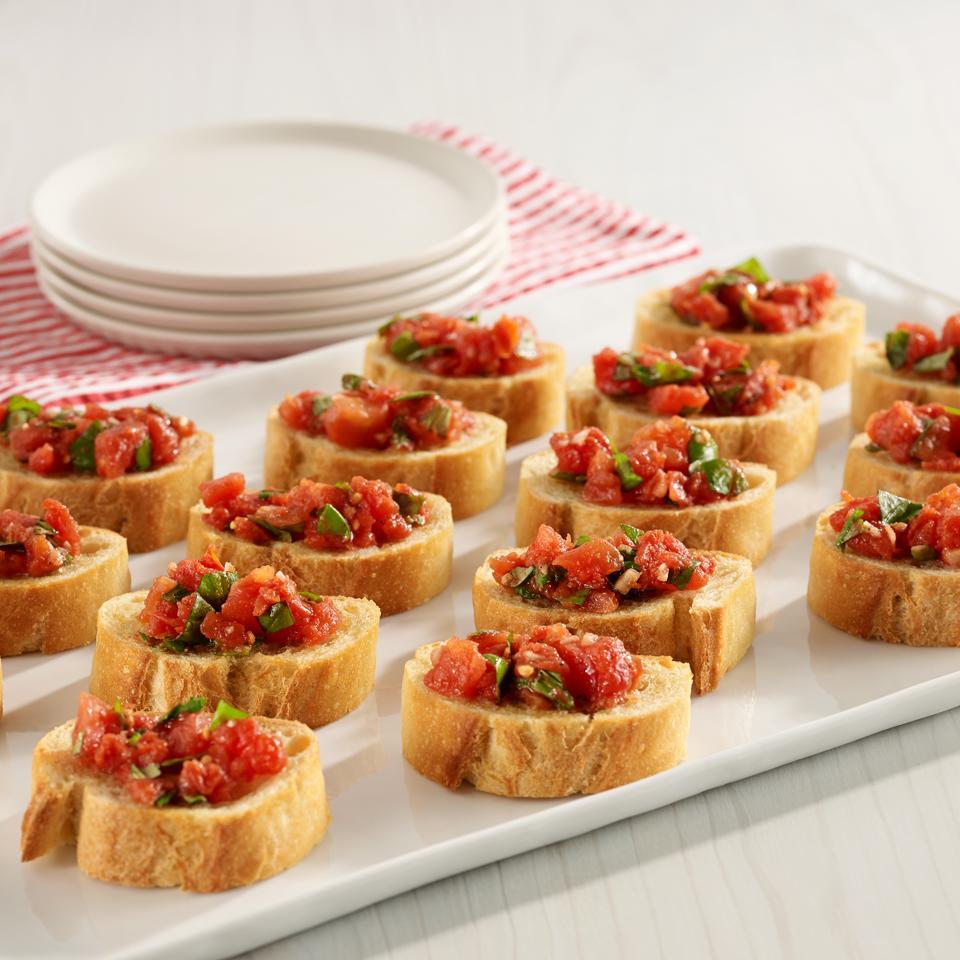 Hunt's® Easy Tomato Bruschetta image