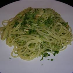 Spaghetti with Zucchini and Almonds