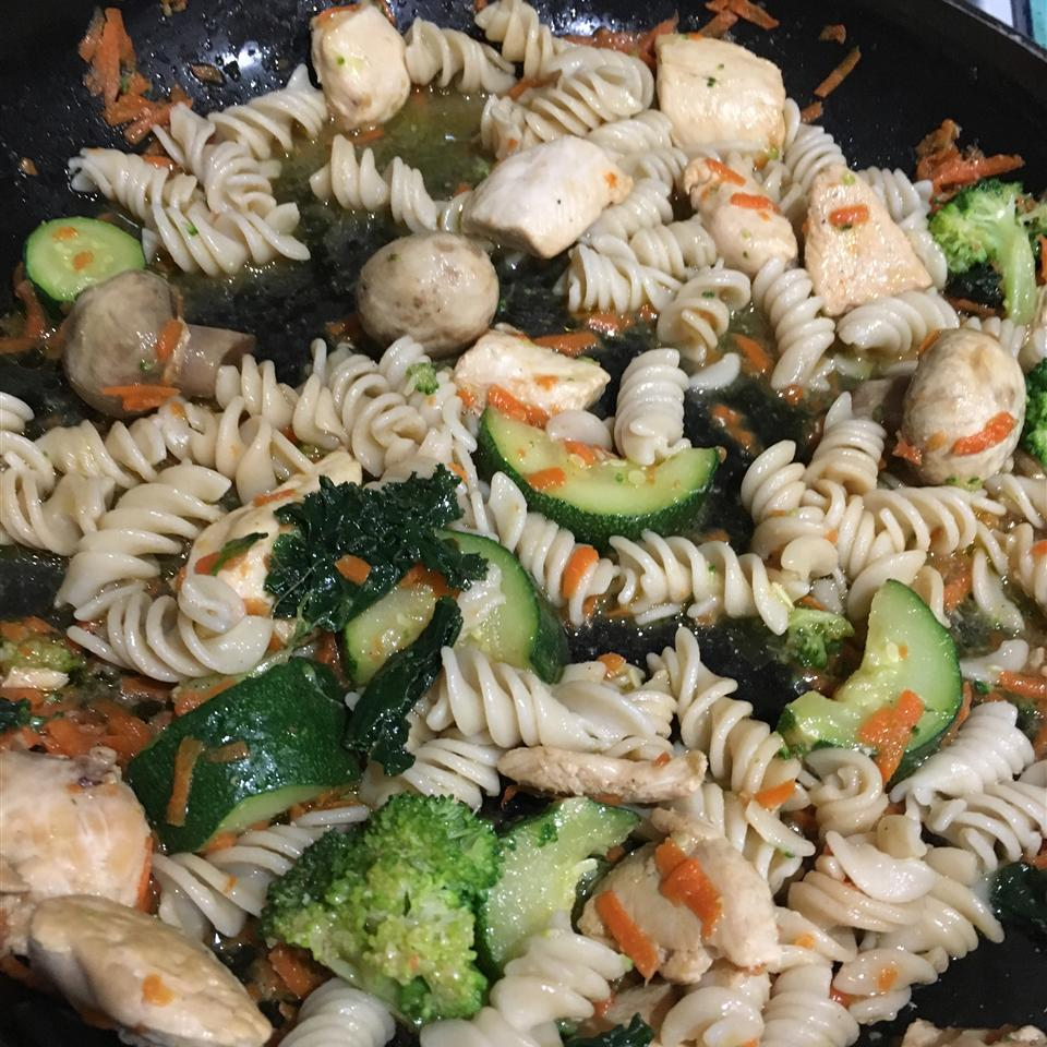 Linguine with Chicken and Sauteed Vegetables Spinalman