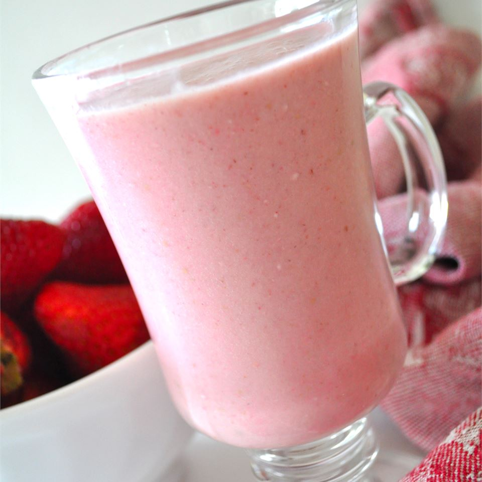 B and L's Strawberry Smoothie