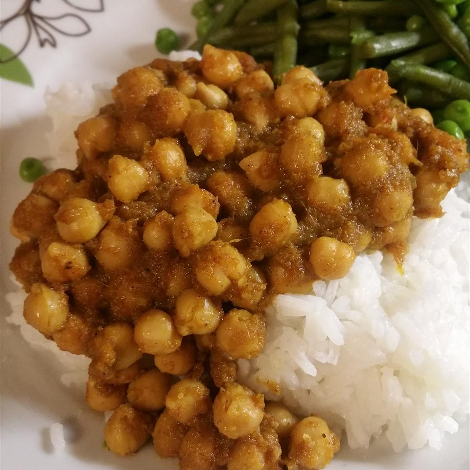 Chana Masala (Savory Indian Chick Peas)